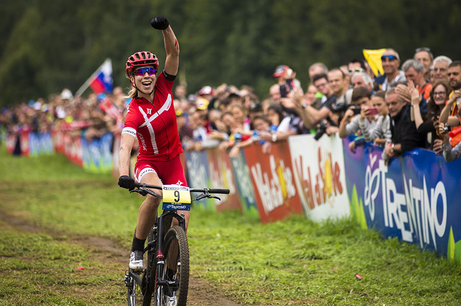 world-cup-xc-2015-women-winner