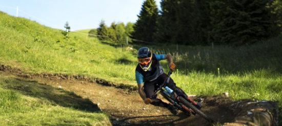 Spettacolo e divertimento in Nevegal con l'enduro in mountain bike