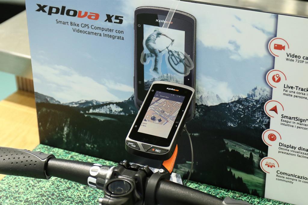 XPLOVA: il nuovo navigatore…con la fotocamera!
