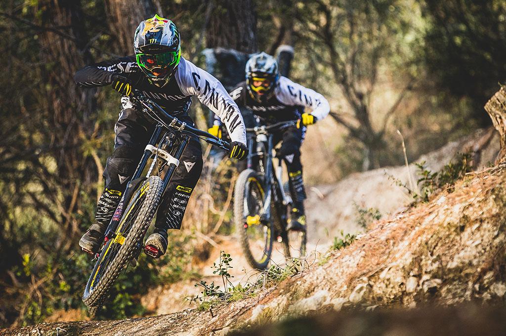 Dainese e Canyon Factory Racing insieme per le stagioni 2018 e 2019