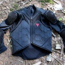 TEST pettorina DAINESE Rhyolite 2 Safety Jacket