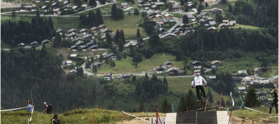 RACE INSIDER – DH World Cup a Les Gets con Loris Revelli