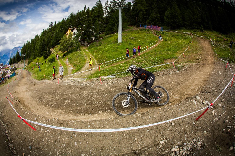 Dopo un anno di stop forzato, l' iXS European Downhill CUP torna a Pila